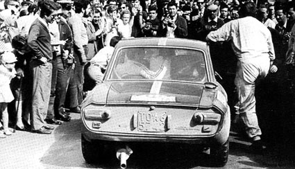 Vor der Zieleinfahrt TAP-Rallye 1968 - mit der Gattin!!!