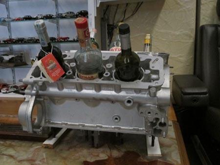 Flaschen im Motor