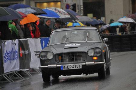 Gaisbergrennen 2013: Wagen- und Zuschauerwäsche inklusive