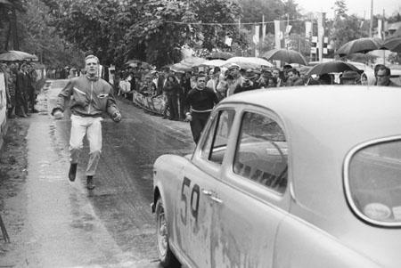 Int. Österreichische Alpenfahrt 1962 mit Lancia Appia - Startprüfung (Links W. Radler, rechts J. Schrimpl)