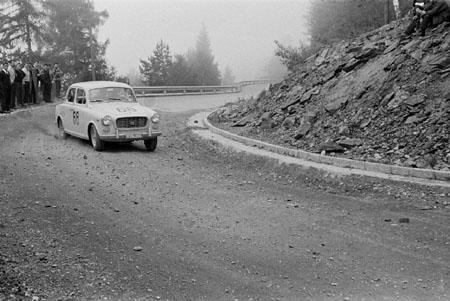 Int. Österreichische Alpenfahrt 1963 - Gepflegter Drift mit der Lancia Appia auf dem Pyramidenkogl