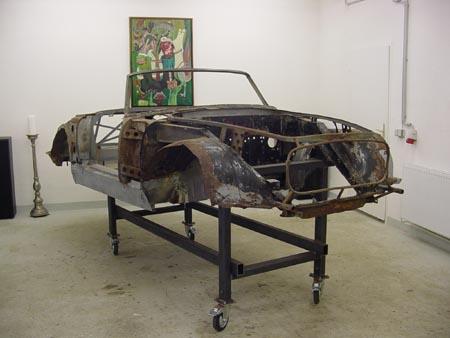 """Lancia Flaminia Restaurierung: Der Künstler nennt das Bild """"Tiefpunkt"""" - warum wohl? Es geht doch aufwärts!"""