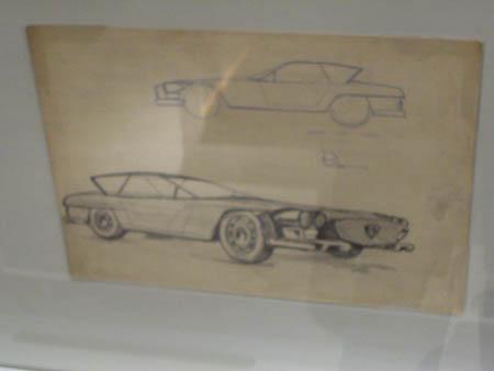 Der Entwurf ähnelt auch jenen Raymond Loewy-Flaminia Entwurf.