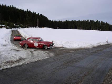 Rallye: Autos bei der winterlichen Ausfahrt