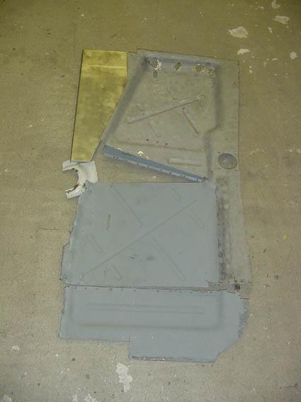 Lancia Flaminia Restaurierung: Bodenplatte - linker Teil