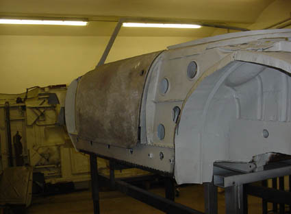 "Lancia Flaminia Restaurierung: ""Türschweller"" links"