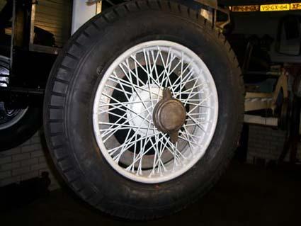 Lancia Dilambda's Massive Tyres