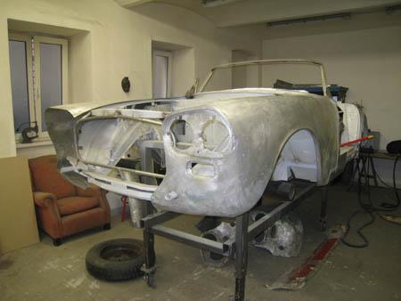 Lancia Flaminia Restaurierung: Ein Teil fehlt noch ...