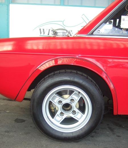 Lancia Fulvia: 7 Zoll, homologierte maximale Kotflügelverbreiterung, Rennreifen