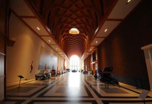 Die Eingangshalle des Louwman Museum in der Nähe von Den Haag