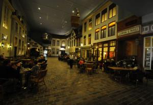 Niederländische Kaffeehauskultur nach den vielen Autos