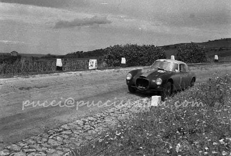 Italienische Straßenrennen: Umberto Maglioli - Matador der Targa Florio, Beifahrer, vielfacher Sieger - hier 1953 auf D20