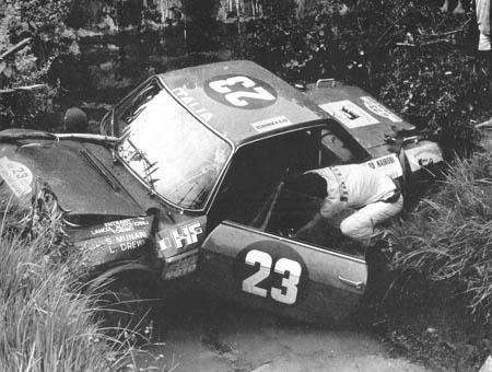 Rallye in Ostafrika: 1970 - Munari/Drews in Führung liegend ausgeritten, die Fulvia hat überlebt!