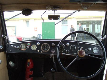 Lancia Augusta - ganz ohne digitalem Infotainment - alles analog!