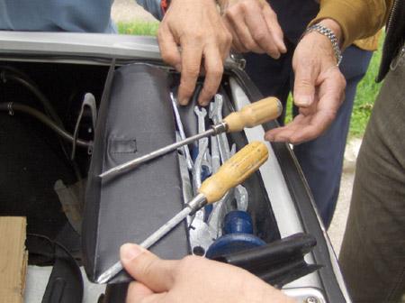 Lancia Ausfahrt: Man braucht es nicht, man hat es! Original Fulvia-Bordwerkzeug.
