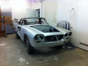 Lancia Flaminia Restaurierung: Leere Karosserie
