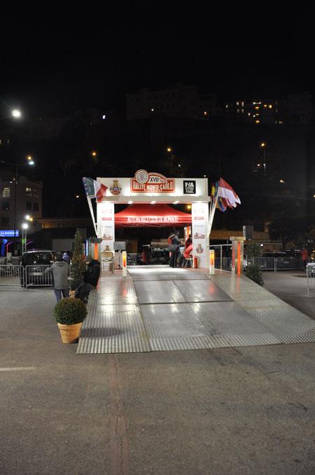 """Rallye Monte Carlo Historique 2015: Abschussrampe zur """"Nacht der langen Messer"""" - und Ziel"""