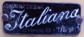 """Blaues Schild mit der Aufschrift """"Italiana"""""""