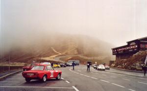 Alpenfahrt Classic Rallye 2002 - da oben im Nebel ist die Edelweißspitze