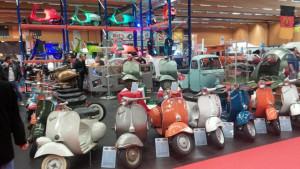 "Autosalon Wels 2015 - bunte italienische ""Ostereier"""