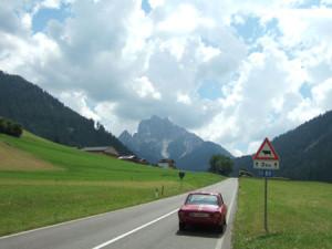 Rallye-Helden der Vormoderne: Auffahrt zum Passo di Vallandro - von 10:00 bis 16:00 Uhr gesperrt!