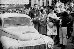 Rallye-Helden der Vormoderne: Spa-Sofia-Liège 1964: Dr. Arnulf Pilhatsch/Otto Karger mit ihren Frauen in Lüttich