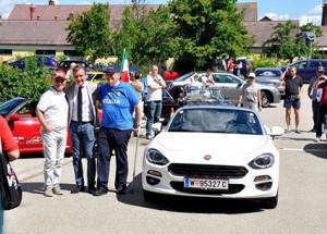 """Café Italia 2016 - prominenter """"Aufputz"""" für den neuen FIAT 124"""