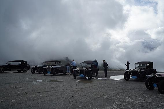 Am Nufenenpass - die Australier und ihre Lambdas entdecken die Schweizer Alpen