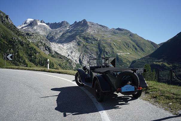 Der Rhonegletscher - oder was davon übrig bleibt - mit der Furka-Passstrasse, vom aufstieg zum Grimselpass, mit Lambda