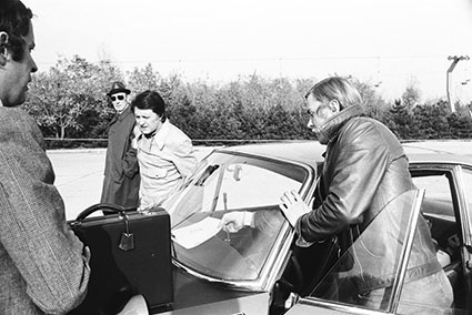 1000 Minuten Rallye 1970 - Lampinen/Mannucci bei der Abnahme, links Cesare Fiorio