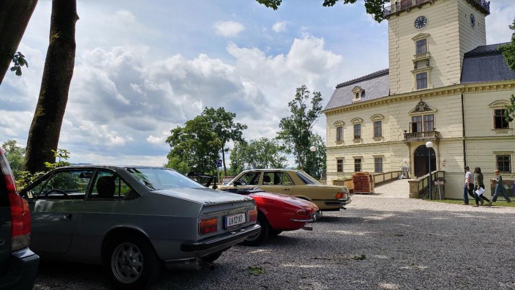 Wadholz Classic 2017 - Pause bei Schloss Tollet aus 1170, Besuch des wunderschönen Innenhofes und der Kellerräumlichkeiten